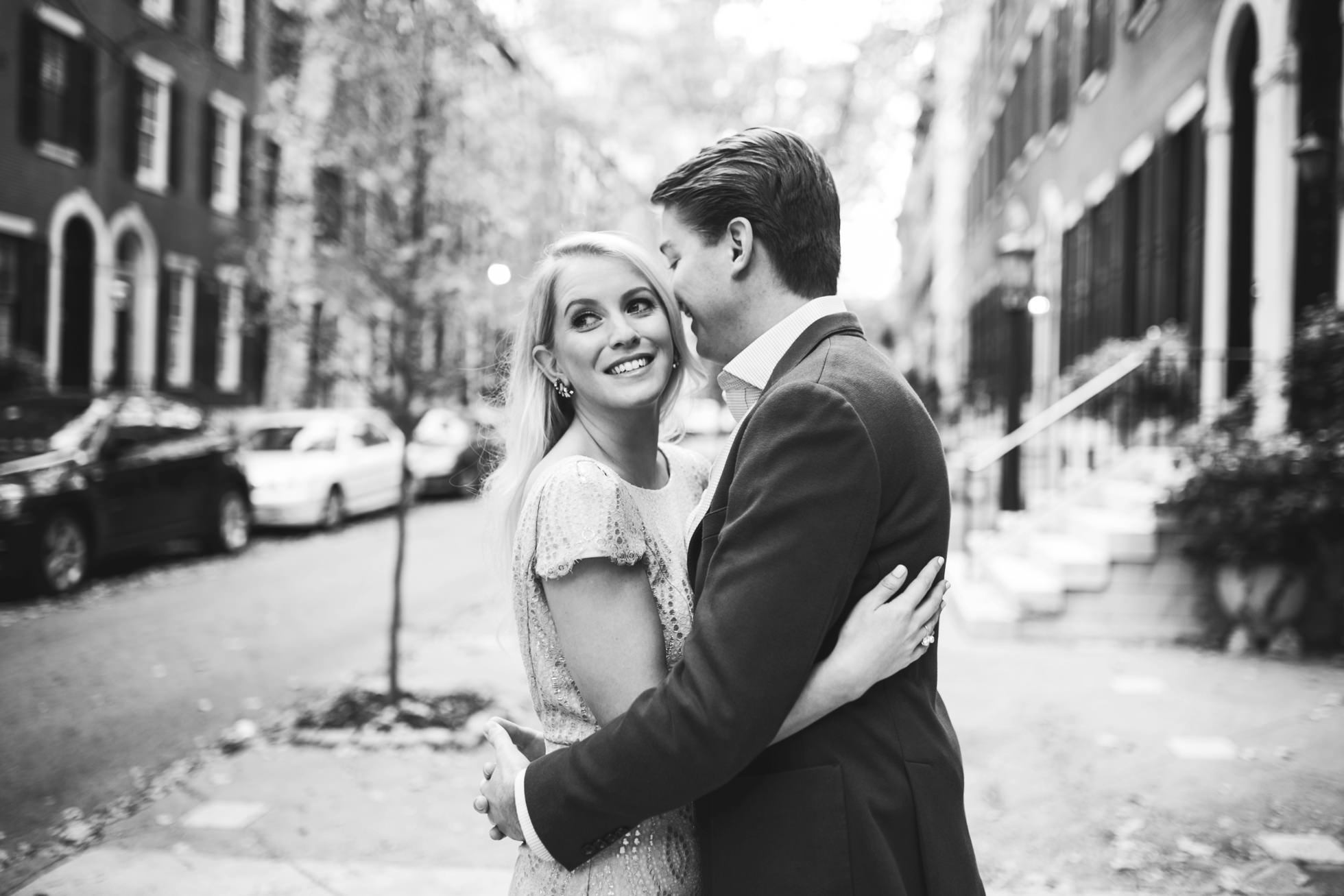 Jessica & Tim - Trendy Preppy Rittenhouse Parc Engagemenent 1
