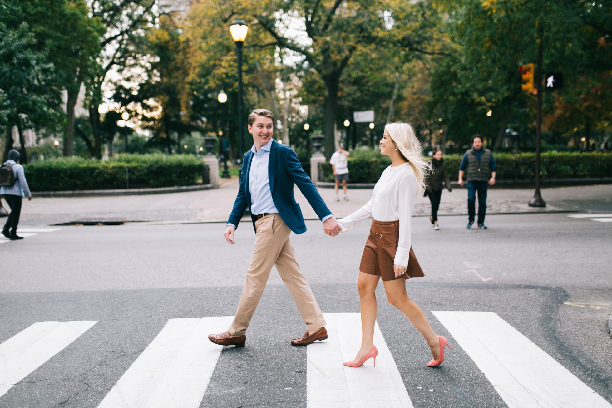 Jessica & Tim - Trendy Preppy Rittenhouse Parc Engagemenent 13