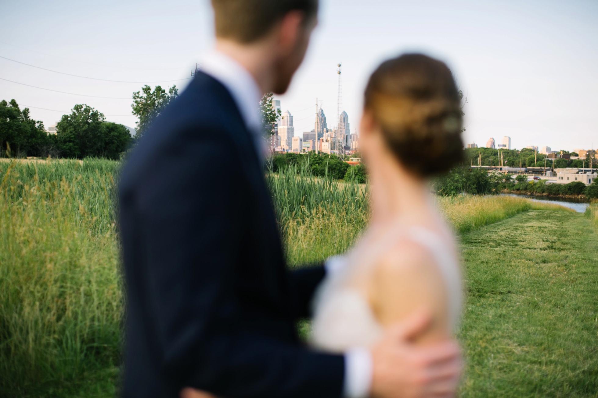 Romantic Bartram's Garden Outdoor Summer Wedding, Philadelphia | brittneyraine.com 080
