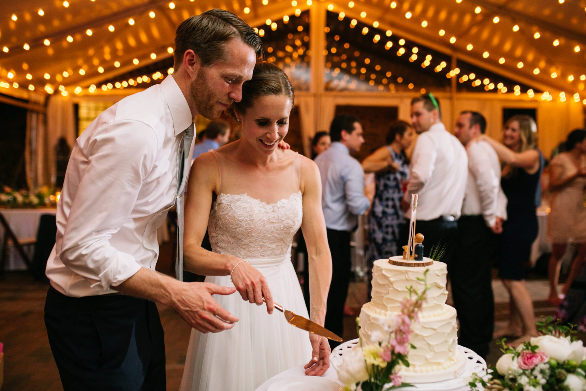 Romantic Bartram's Garden Outdoor Summer Wedding, Philadelphia | brittneyraine.com 104