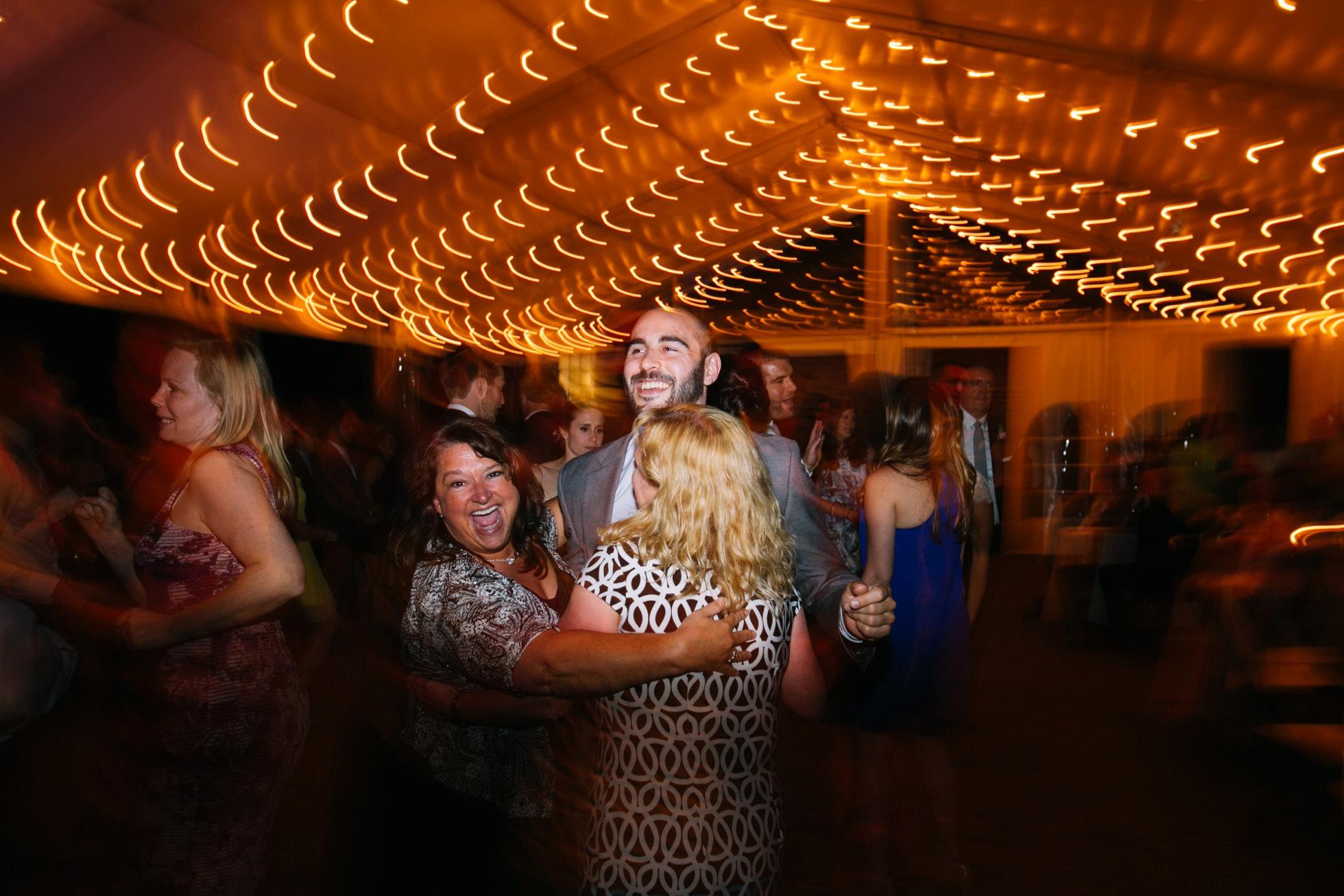 Romantic Bartram's Garden Outdoor Summer Wedding, Philadelphia | brittneyraine.com 113