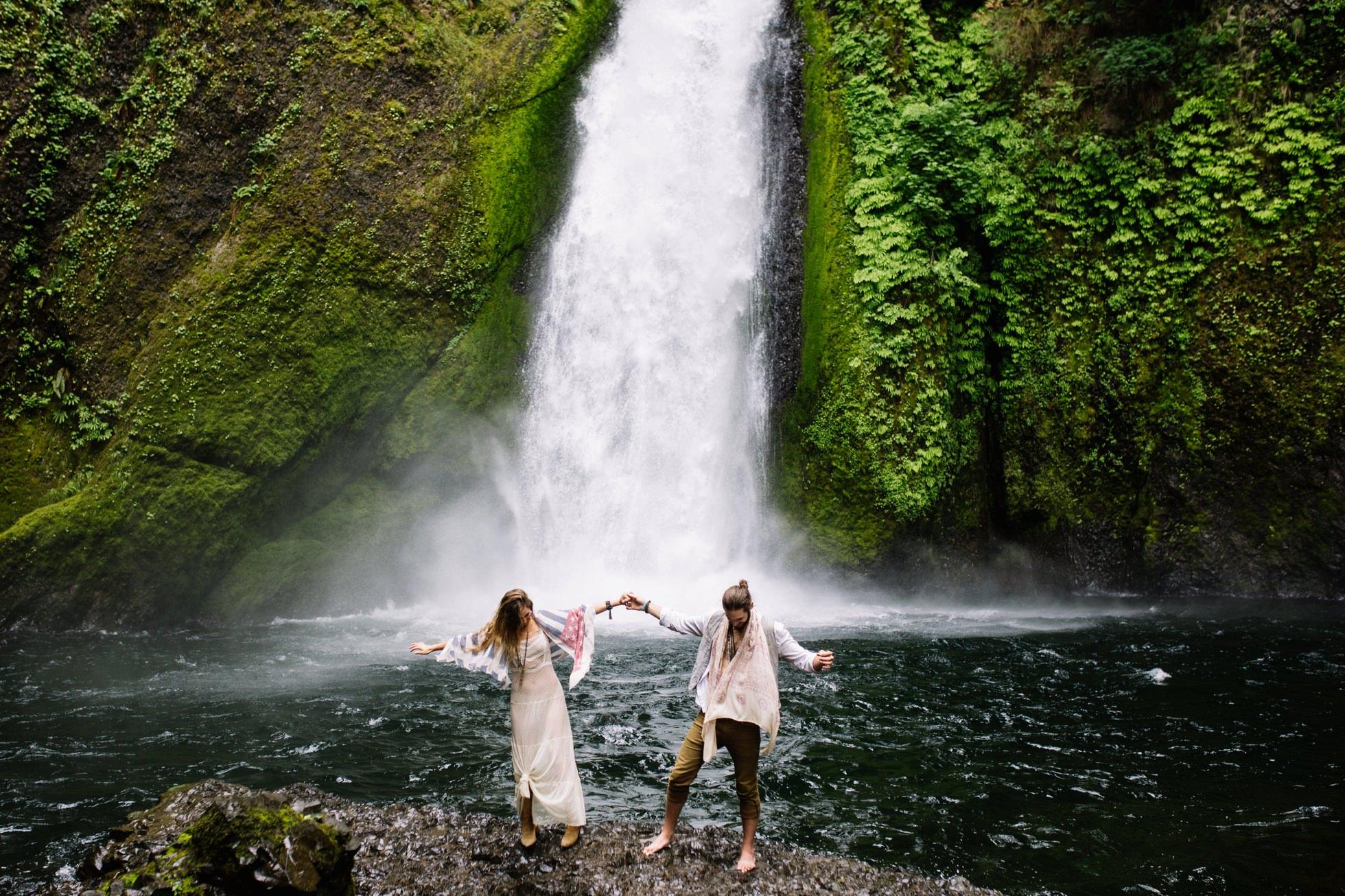 Wahclella Falls Waterfall Oregon Elopement 001