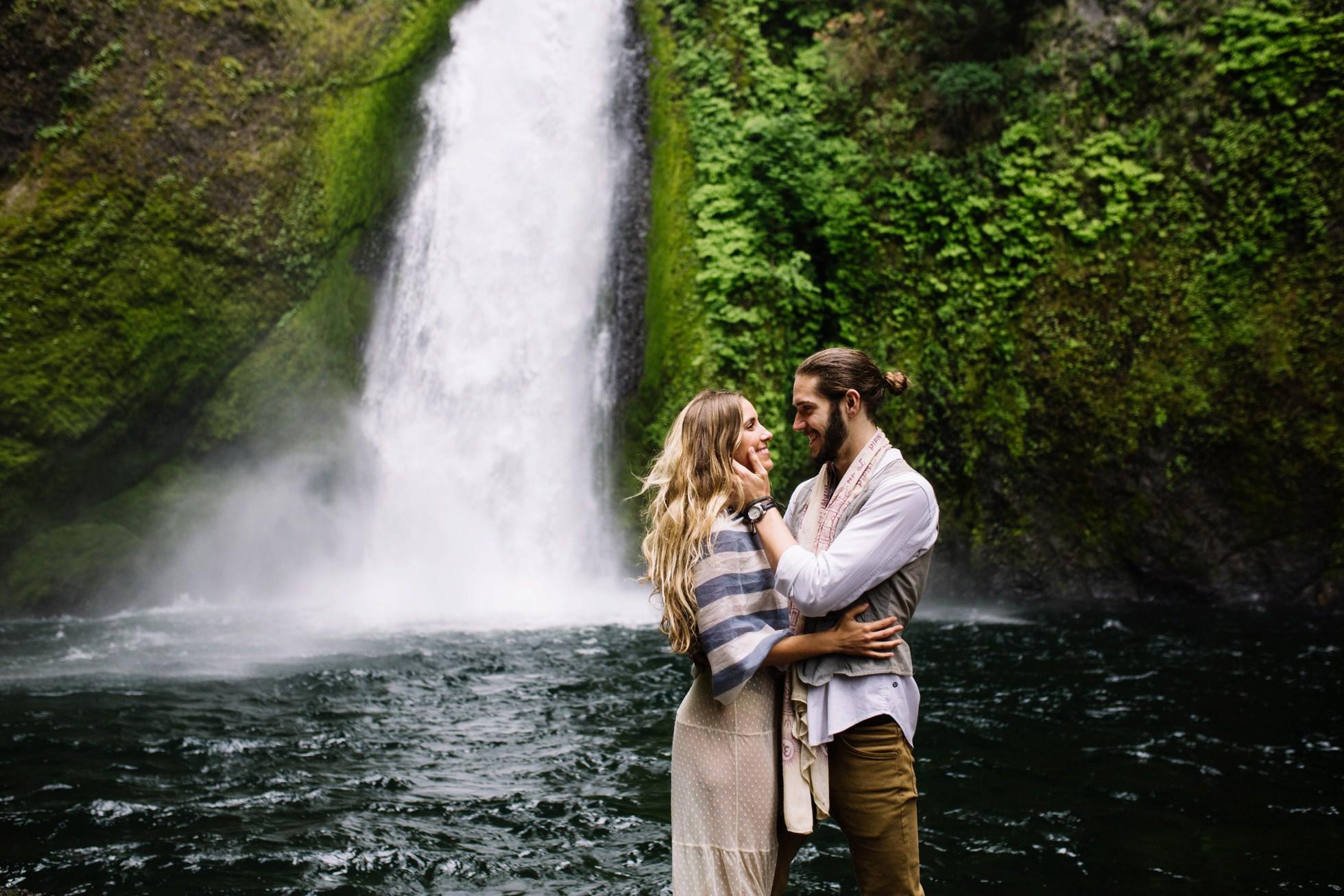 Wahclella Falls Waterfall Oregon Elopement 024