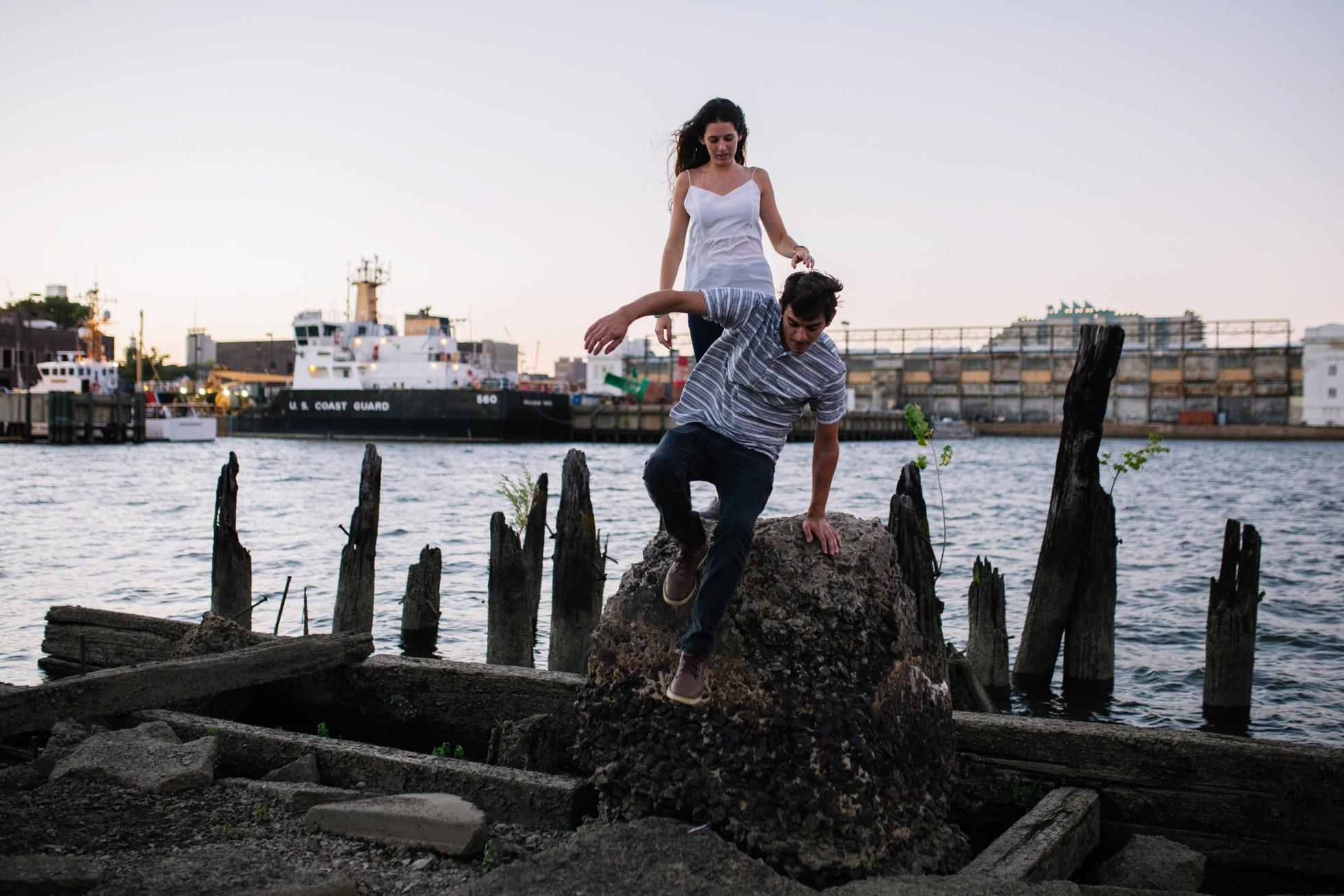 south-philly-sunset-engagement-photos-neon-0022