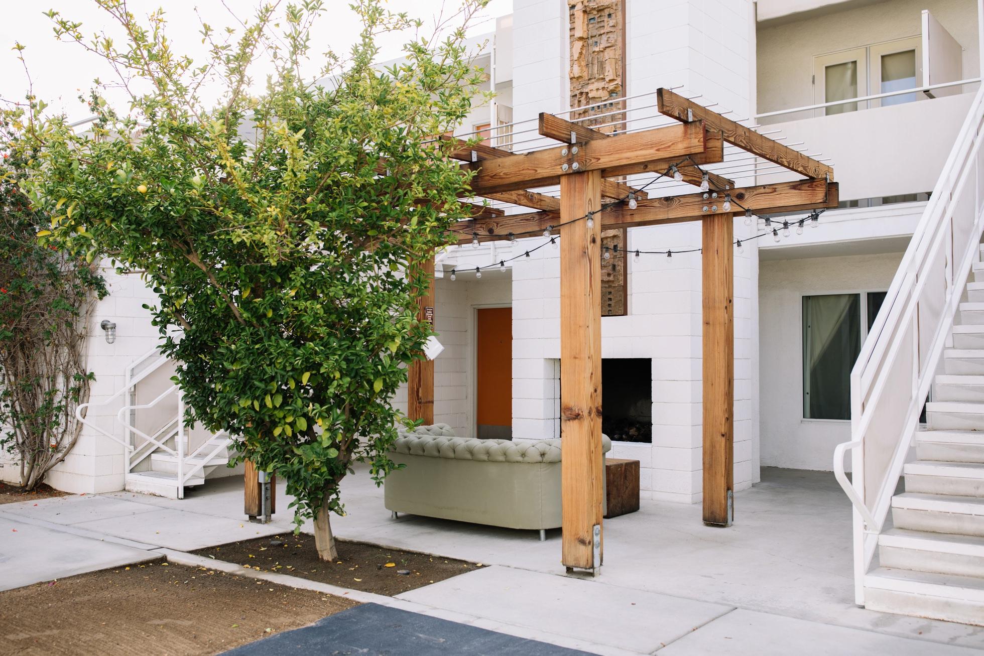 0068-ace-hotel-palm-springs-ca-modern-desert-wedding-location