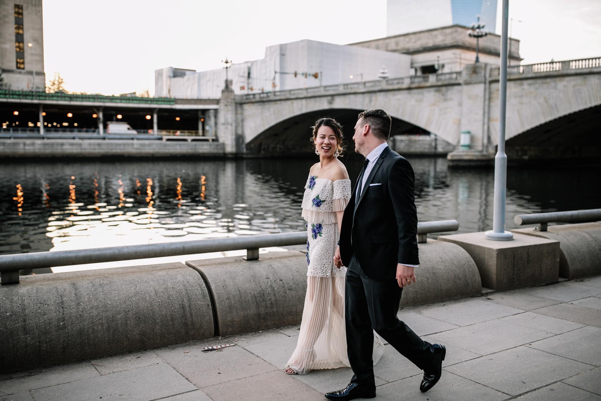 schuylkill river park wedding photos