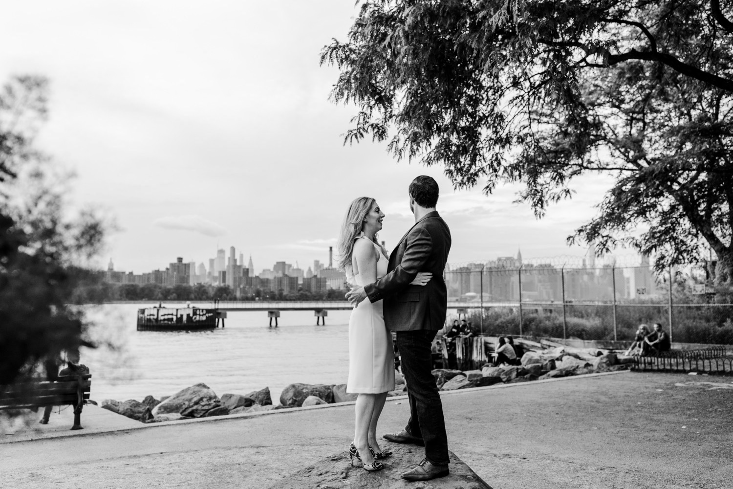 Stylish New York City Engagement Photos - Brooklyn